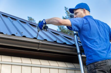 Top 4 Tips On Selecting The Right Roof Repair Professional