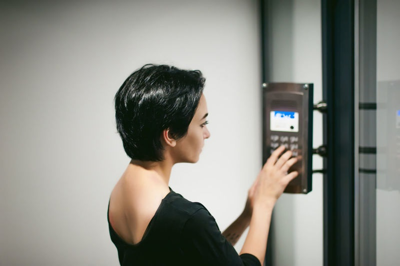 Securing Houses and Offices in 2021 with Digital Door Locks