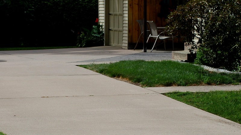 What are the two materials that are used the most for driveways?